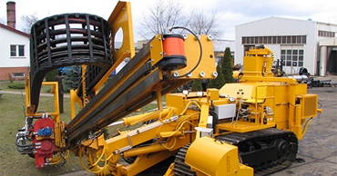 Drilling and pile-driving machines for railway construction